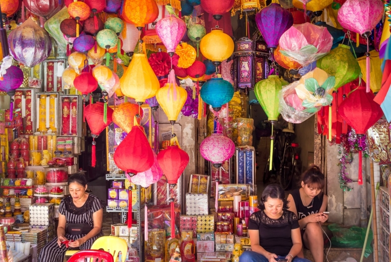 Viaje Por Indochina - Visita A Hue