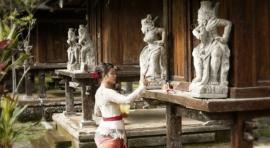 Templos De Yakarta - Viajes A Indonesia - Bali