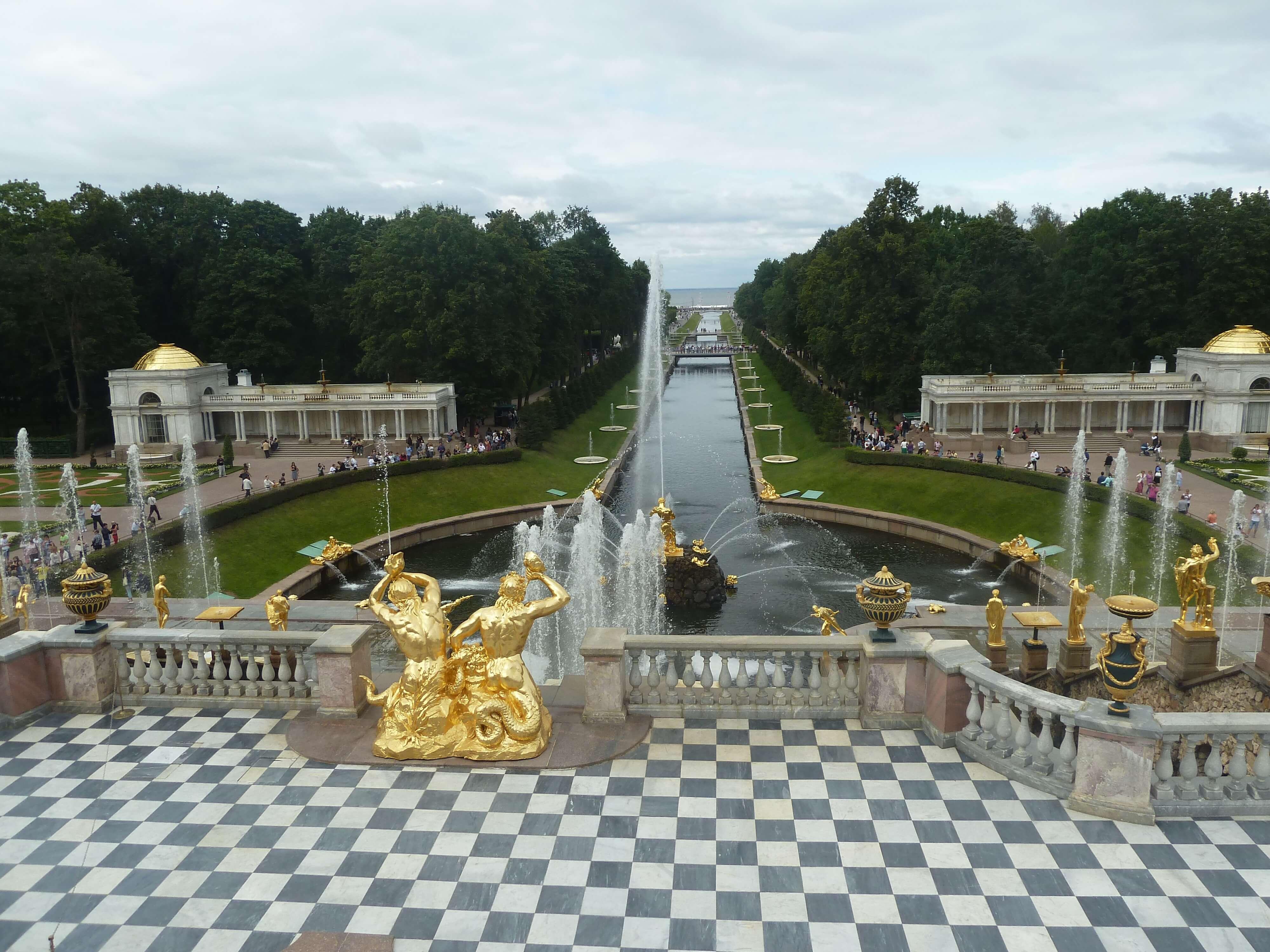 Los jardines del palacio de Peterhof - Viajes a Rusia
